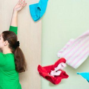 服を捨てる