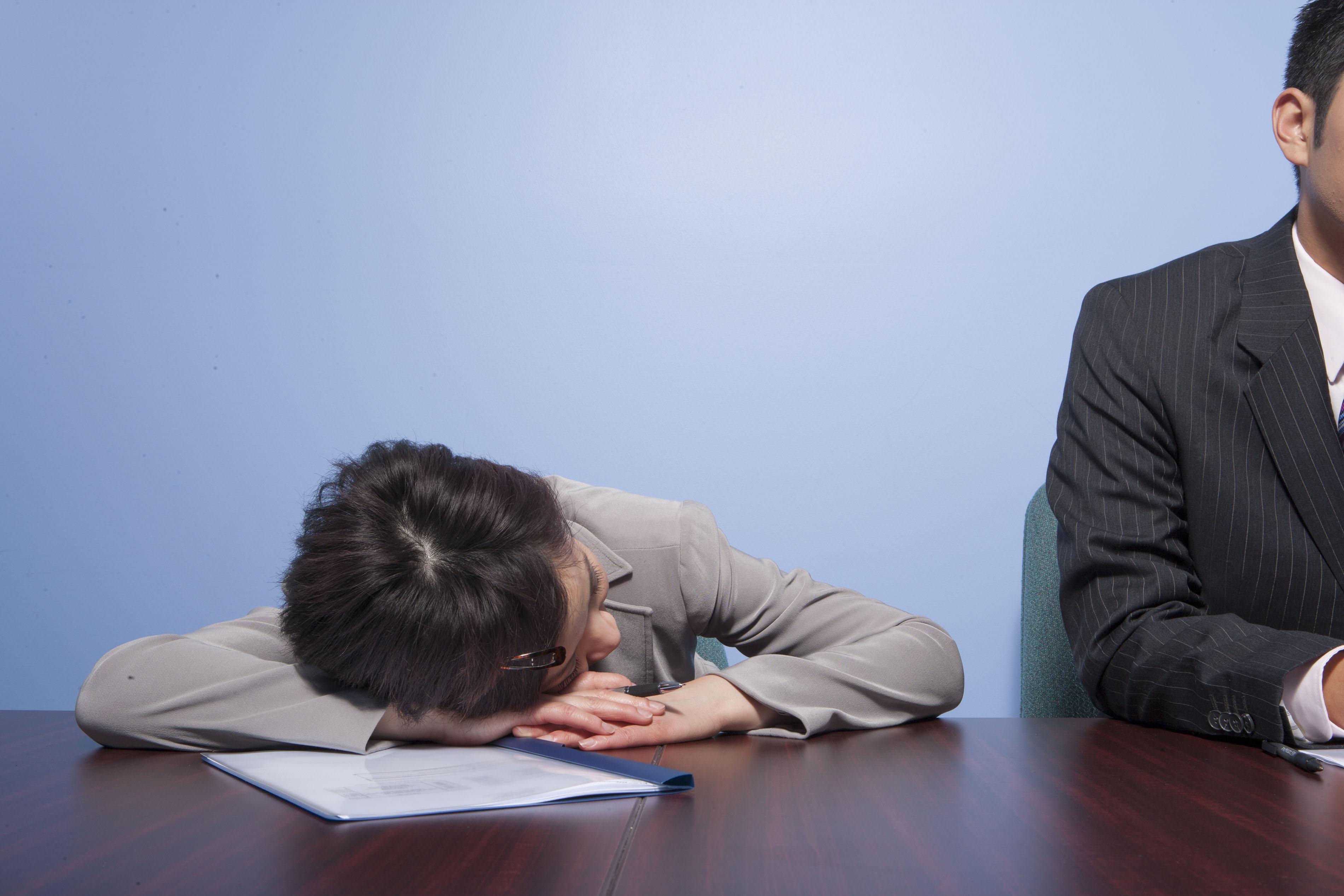 授業中や仕事中におすすめ!眠気覚ましの方法を紹介☆