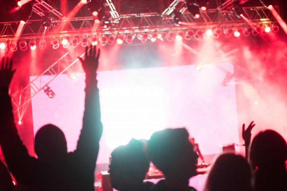 初ライブハウス女子必見♪スタンディングライブの楽しみ方
