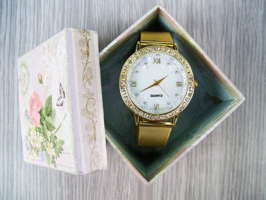 OLが支持する時計は?プレゼントにもおすすめ人気ブランド10選