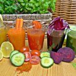 ビタミン不足の味方!スムージーと野菜ジュースの違いは?