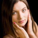 顔の産毛処理に最適なケア方法を調査!おすすめアイテムは?