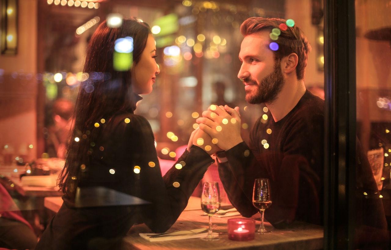 デートの割り勘は常識?男性と女性の意識の違いと本音は