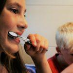 綺麗な女性は歯が白い?!人気の市販ホワイトニング歯ブラシ10選