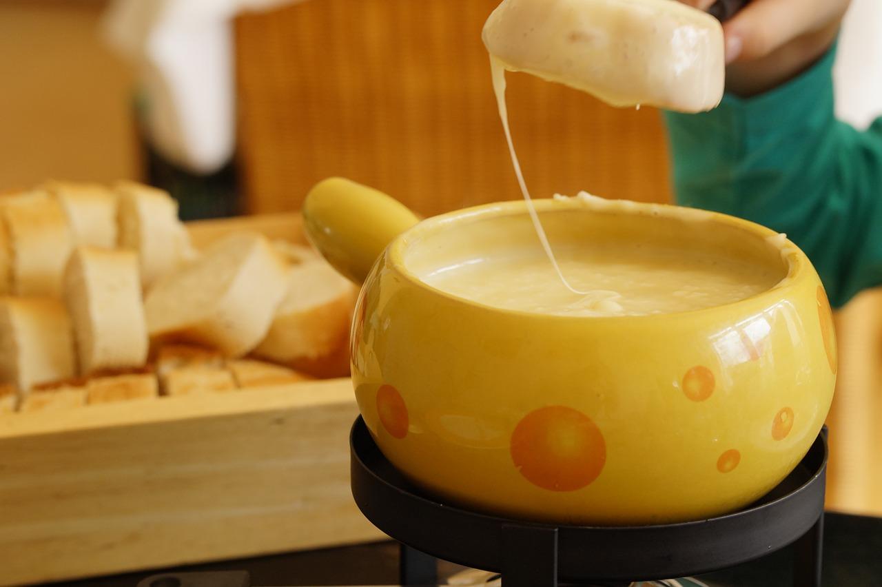 東京で食べられるおいしいチーズフォンデュ店10選